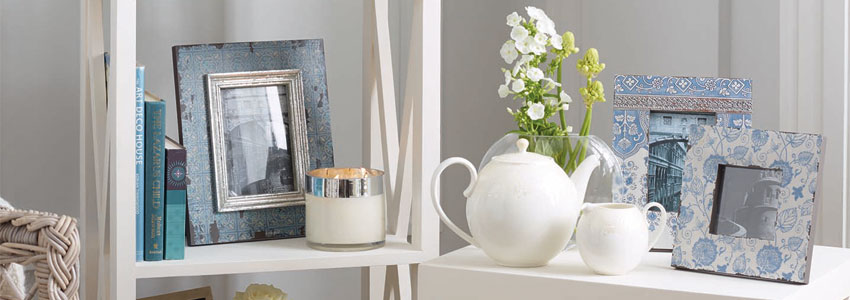 Picture Frames & Gifts