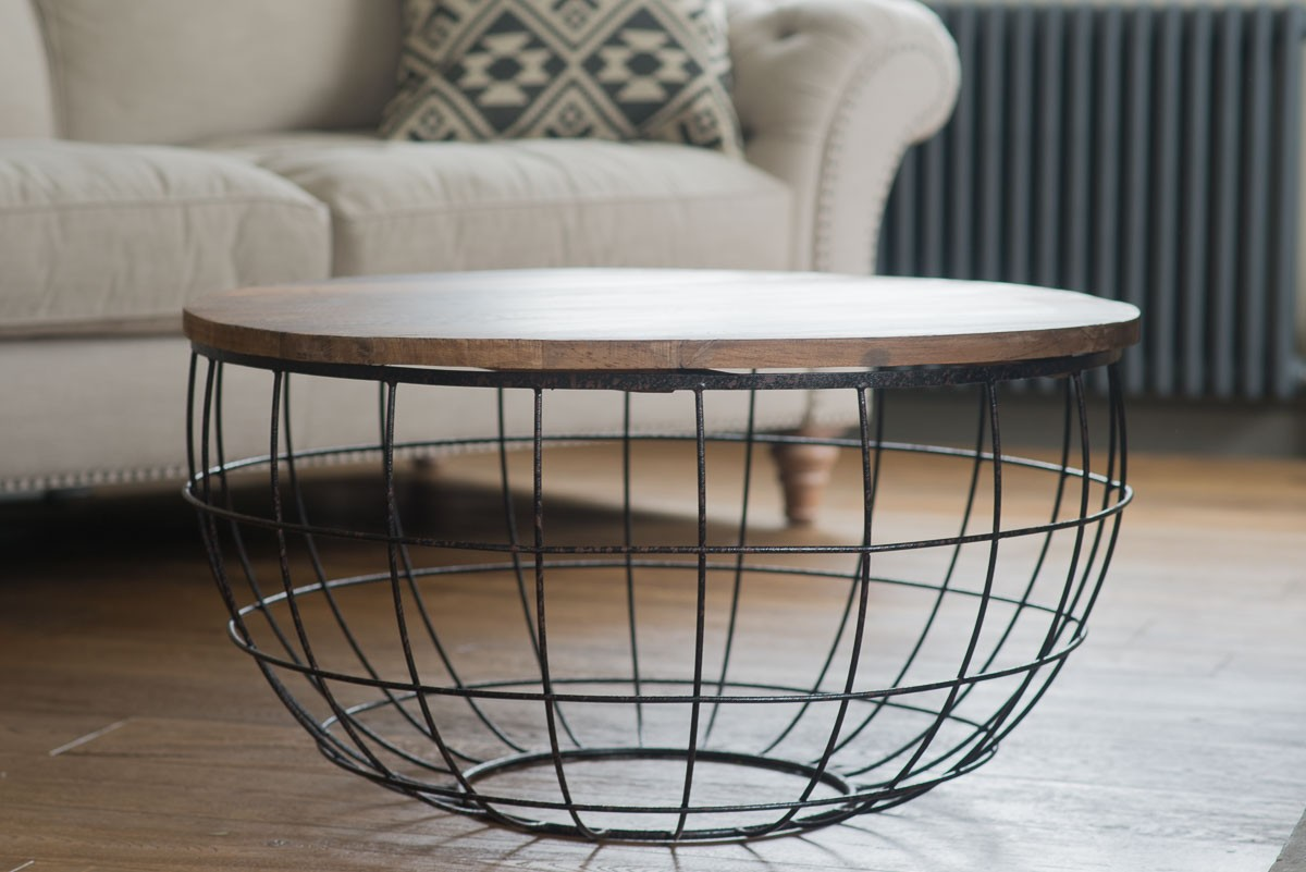Iron and wood coffee table round