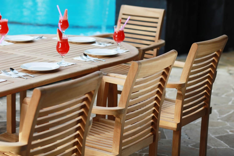 Light Coloured Teak 6 Seat Furniture Set | Oval Outdoor Table | Casa ...